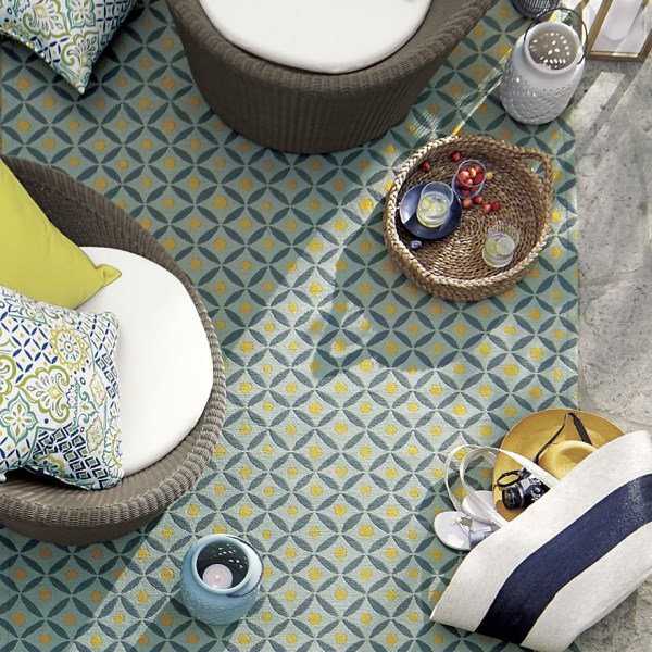Geo indoor-outdoor rug
