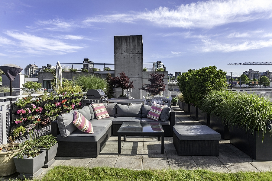 Gorgeous roof deck with water and gas amenities along with amazing views of Vancouver