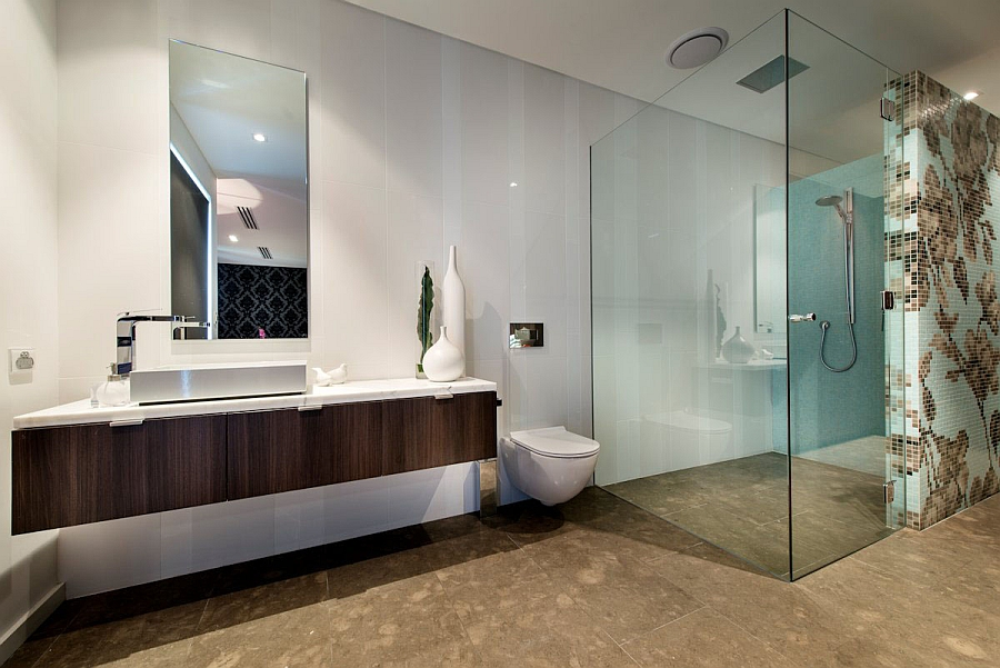 Interesting wall pattern adds glam to the bathroom