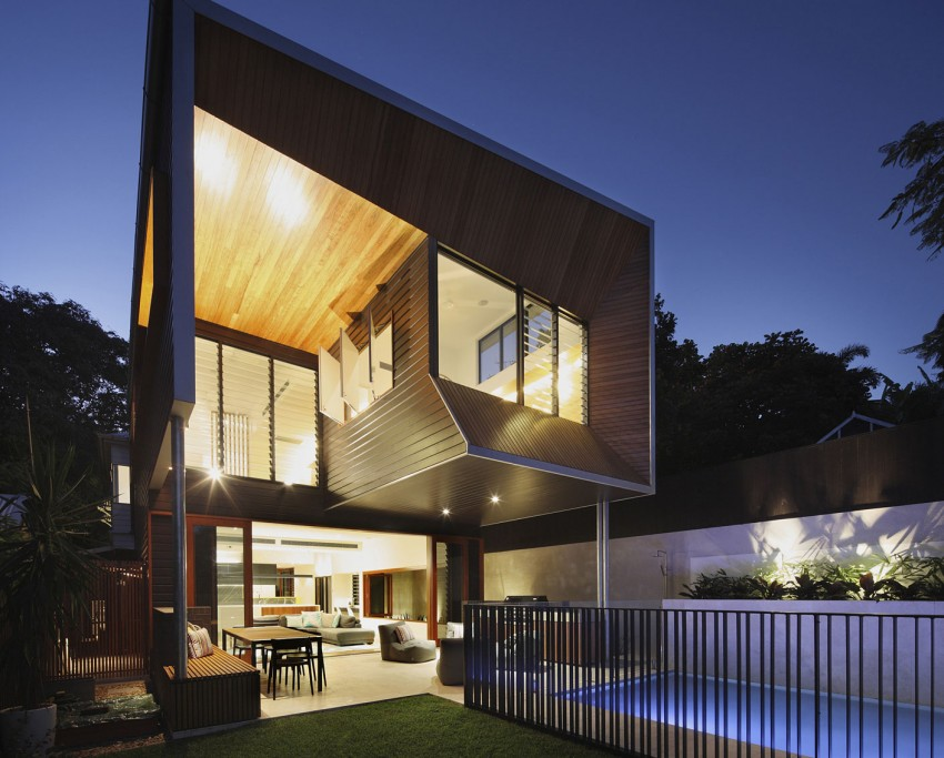 Pre war cottage in brisbane transformed into a breezy for Front street home designs