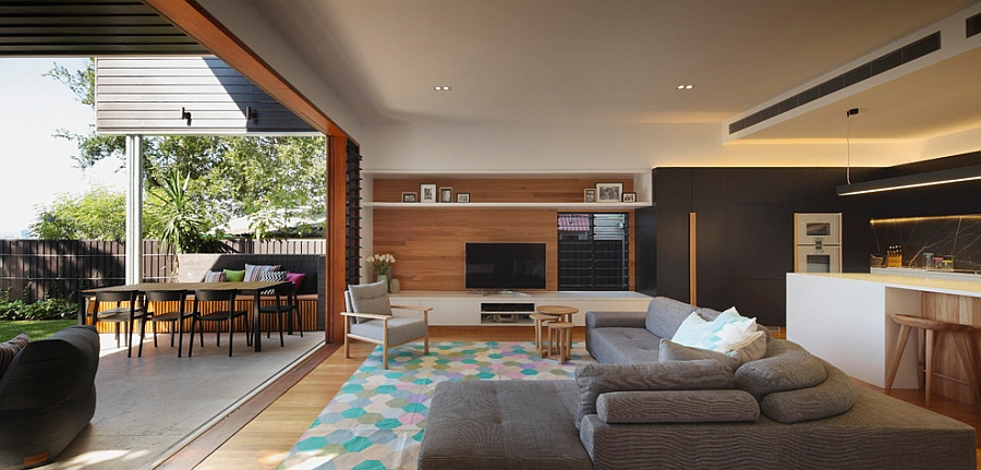 Lovely rug adds some much needed color to the space