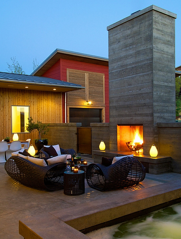 Luau Portable Lamp adds to the charm of the contemporary patio