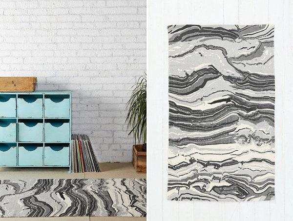 Marbleized motif rug