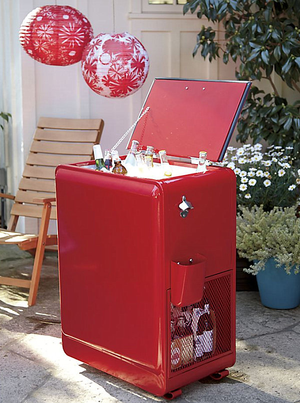 Retro-style drink cooler