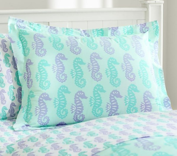 Seahorse bedding in pastel hues