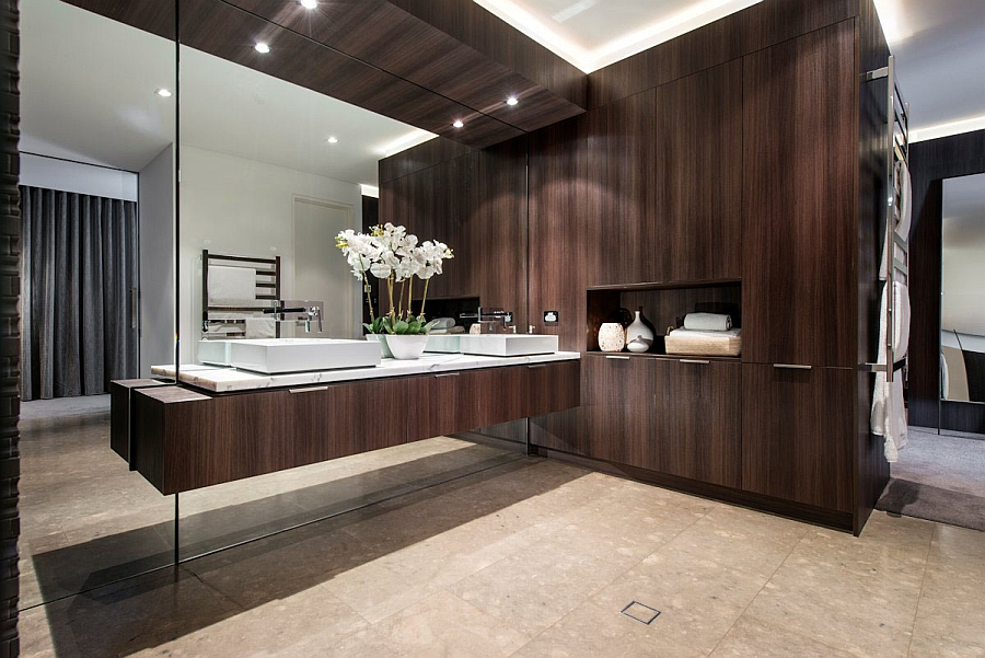 Wood adds warmth to the sizzling contemporary bath