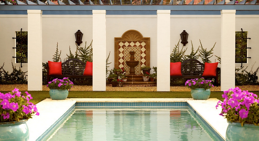A smart way to combine the Moroccan patio with the modern pool deck