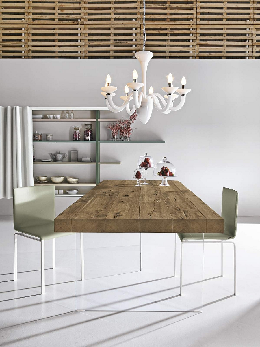 Air Wildwood dining table combines visual lightness with the warmth of wood