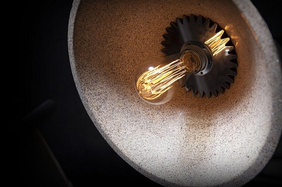Beautiful illumination of the Mika 350 pendant