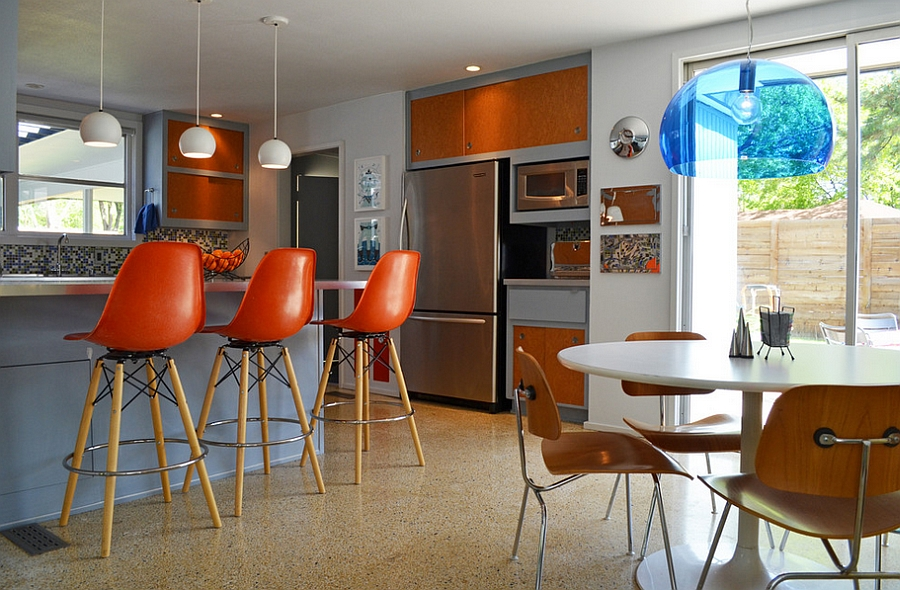 Beautiful midcentury kitchen with natural textures and bold color