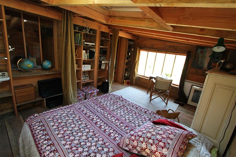 Bedroom of the elegant Normandy cabin