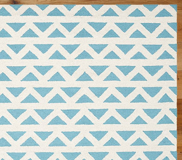 Blue and white triangle rug