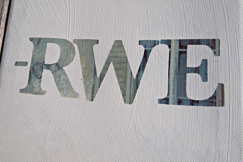 DIY Canvas Word-Art