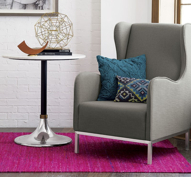 Chair with throw pillows