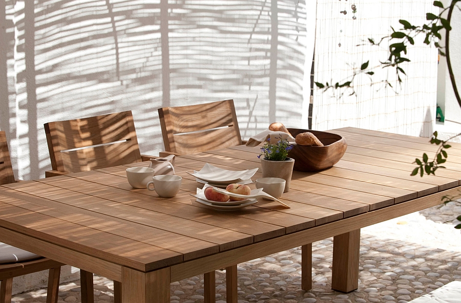 Closer look at the Fabulous KOS outdoor dining table in Teak