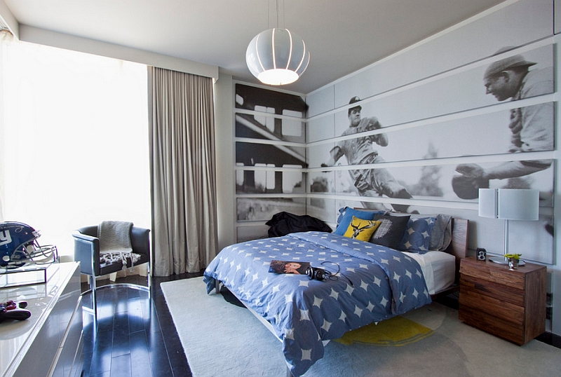 Corner becomes a natural extension of the wall behind the bed thanks to the giant mural