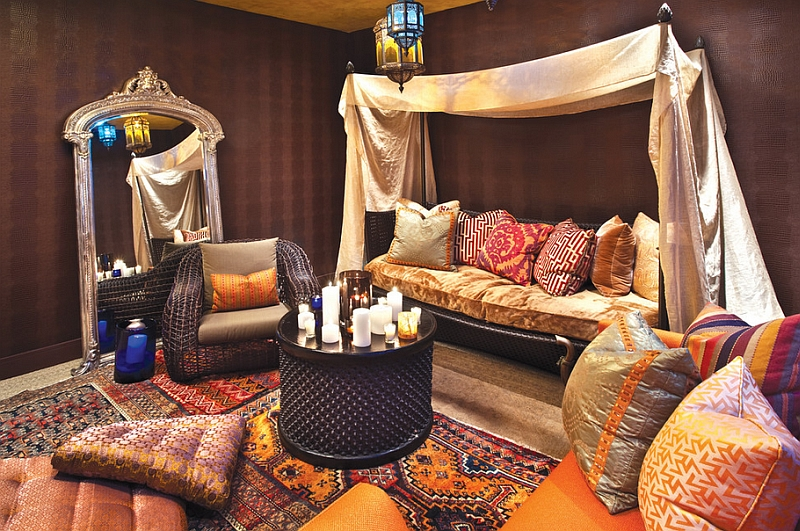 Cozy ambiance of the colorful Moroccan living room in Chicago