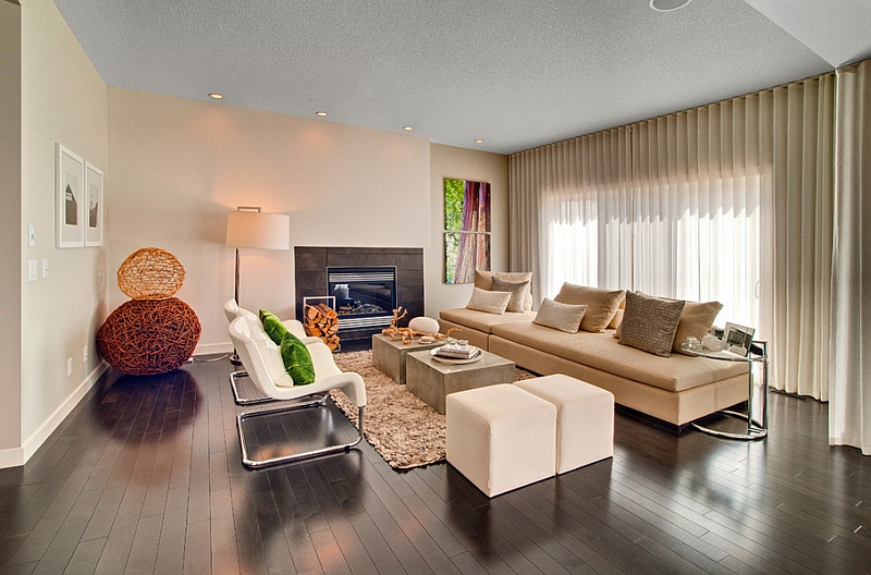 View In Gallery Cozy Appeal Of The Living Room Is Accentuated By Stylish Use Drapes Feng Shui