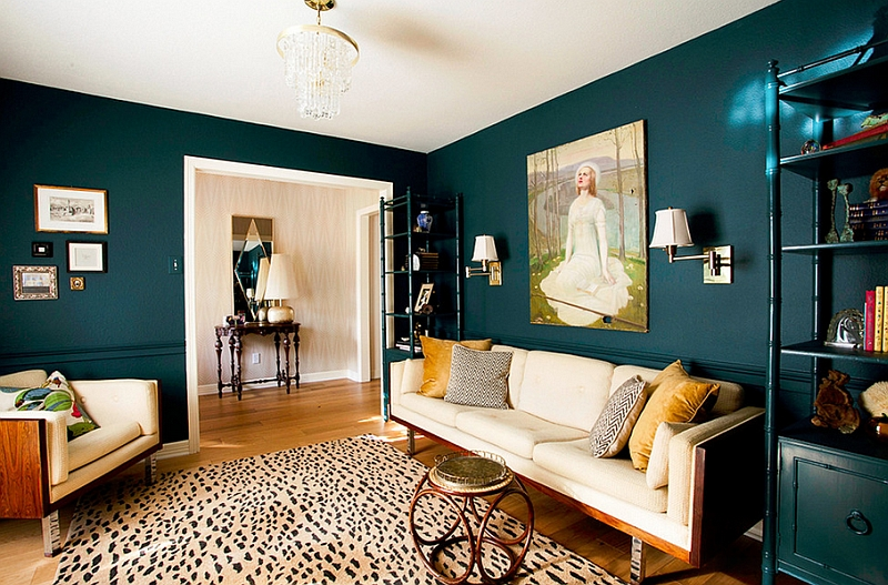 Creative combination of teal and yellow in the living room