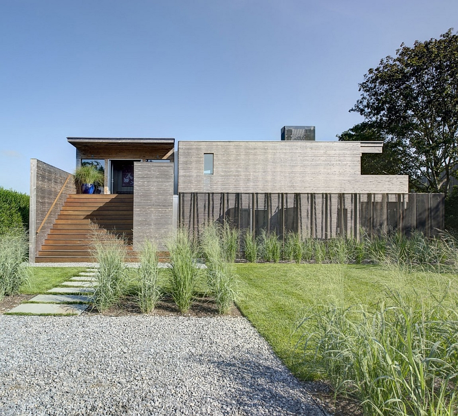 Entry of the Far Pond House in Southampton, New York surrounded by greenery