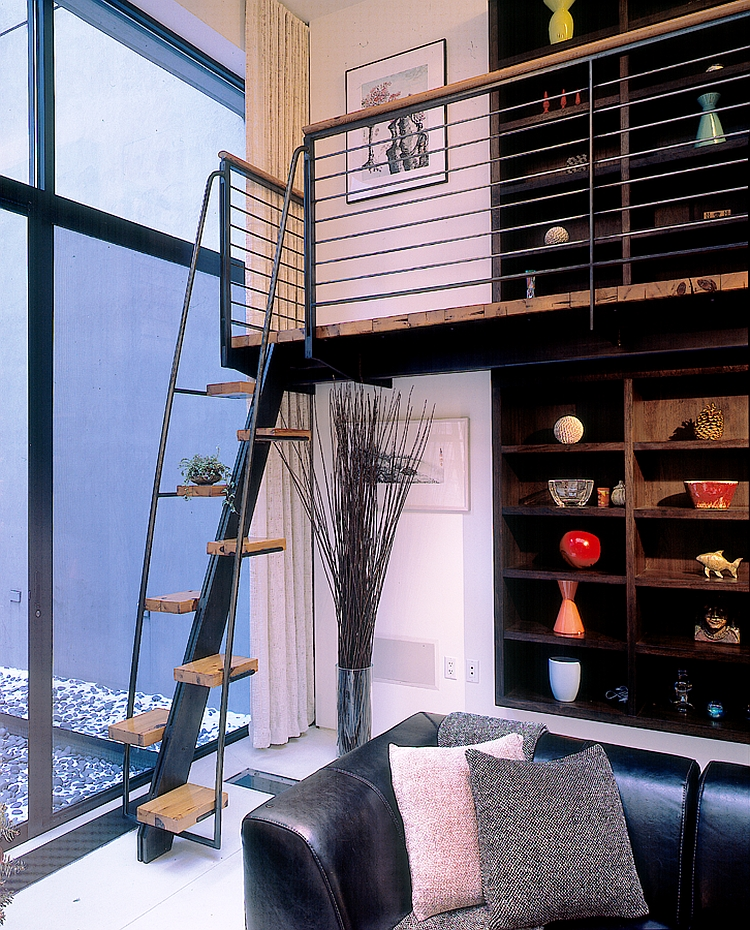 Exciting walkway acts as a Mezzanine level in the house