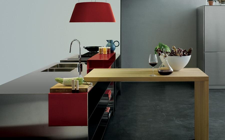 Exquisite and versatile contemporary Italian kitchen from Elmar