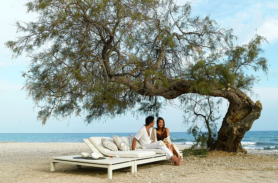 Fabulous daybed from the Kos teak Collection