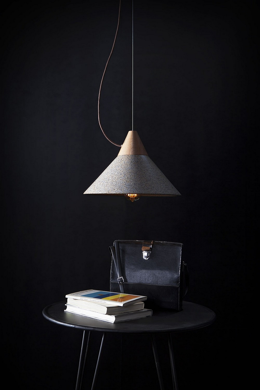 Fabulous pendant lamp with a hint of industrial charm