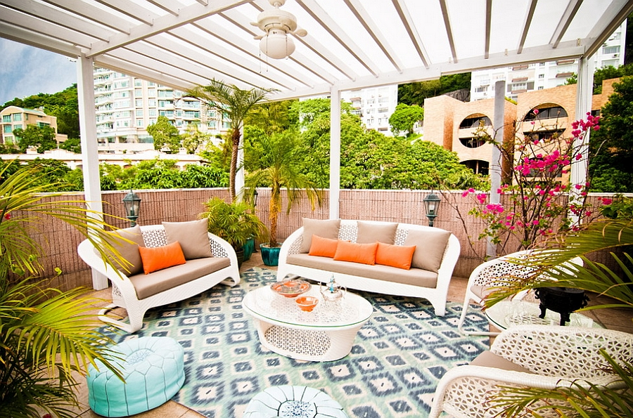 Fabulous tropical patio with a touch or Moroccan elegance and color Exotic Moroccan Patios Add Color And Excitement To Your Home!