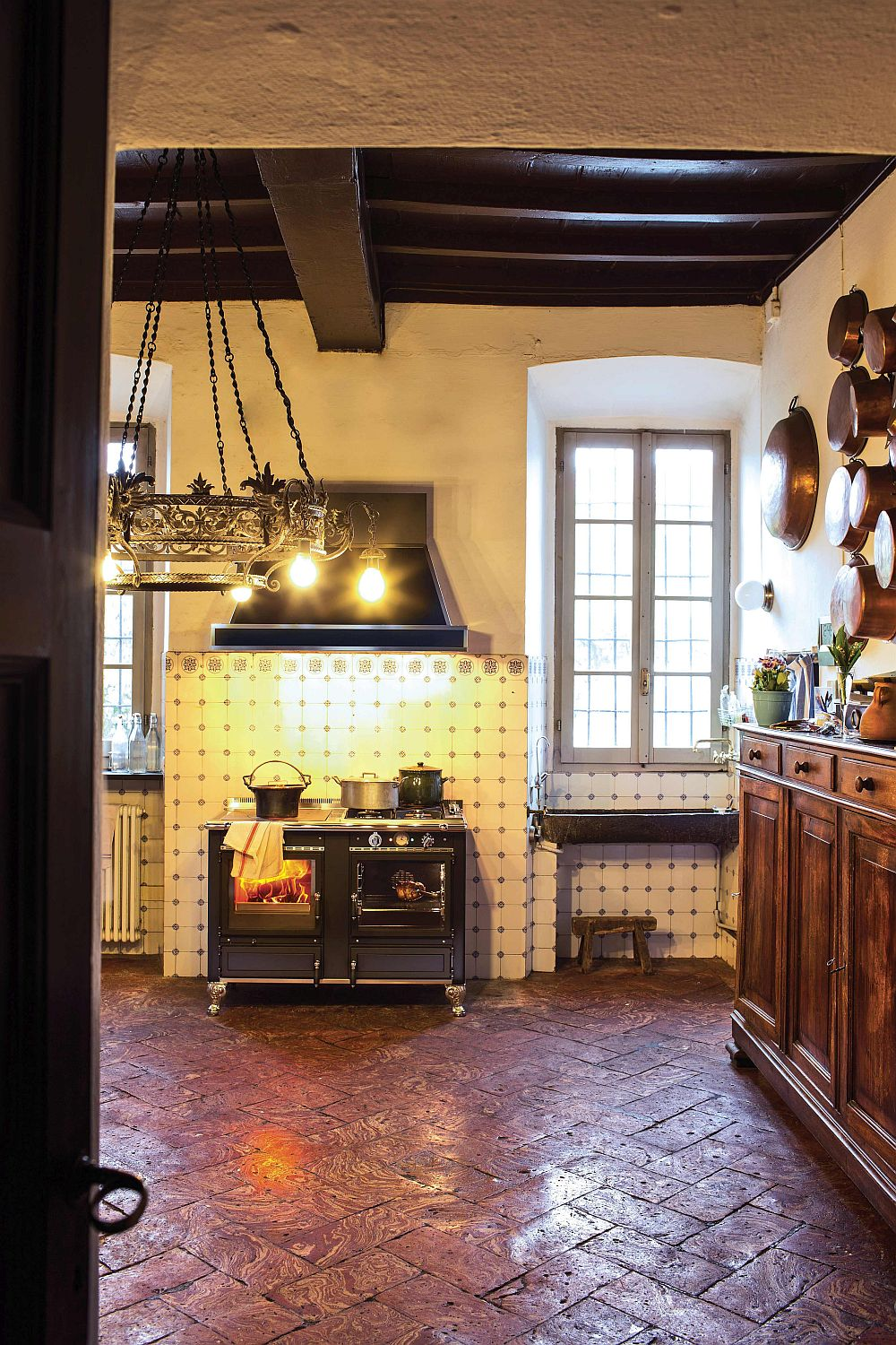 Fabulous wood-burning cooker for the rustic themed kitchen