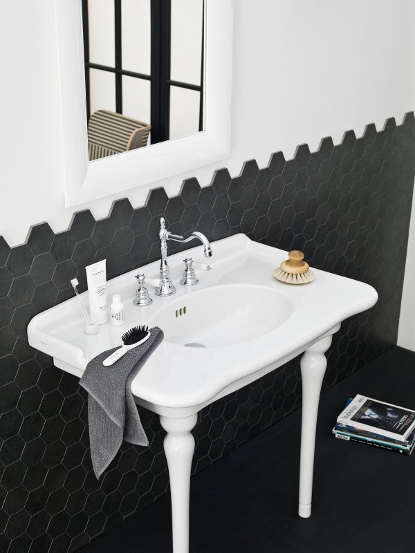 Give your contemporary bath an art deco appeal with the Hermitage lineup