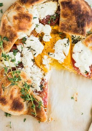 Heirloom Tomato Tart with Goat Cheese and Thyme