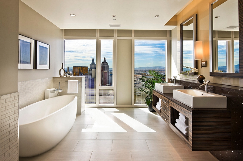 Iconic city skyline of Las Vegas acts as the perfect backdrop for this stunning bathroom