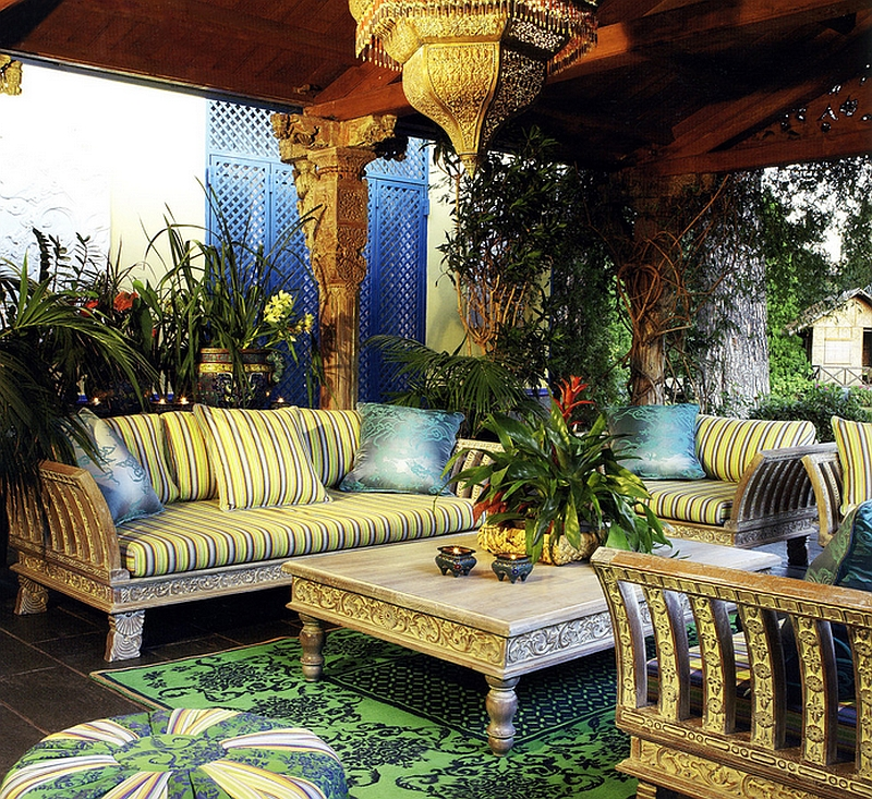 Intricately carved decor and brilliant lighting shape this stunning Moroccan patio