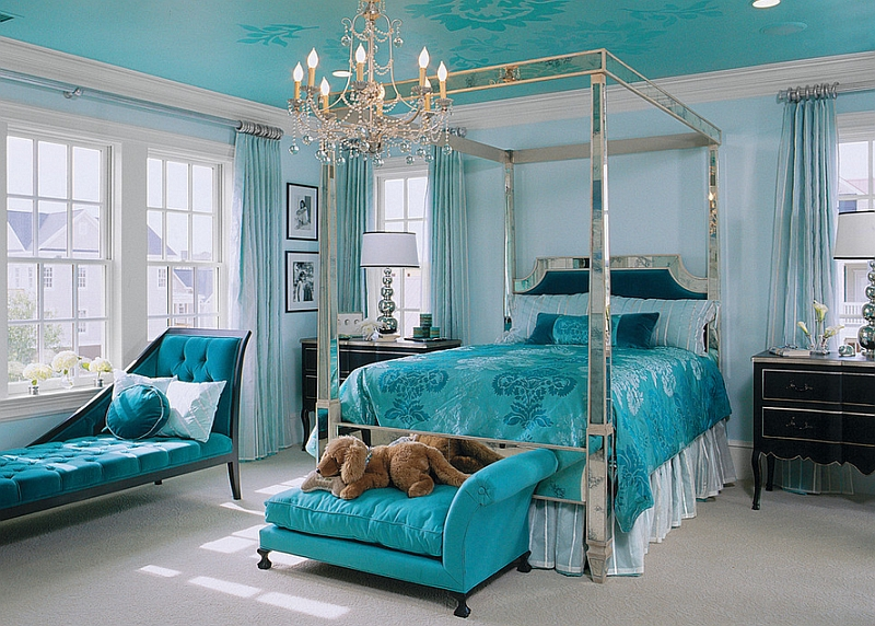 Lavish bedroom in blue with a French baroque style
