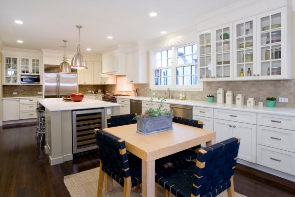Light filled kitchen with fresh details The Healthy Kitchen: Designing a Fresh Culinary Space