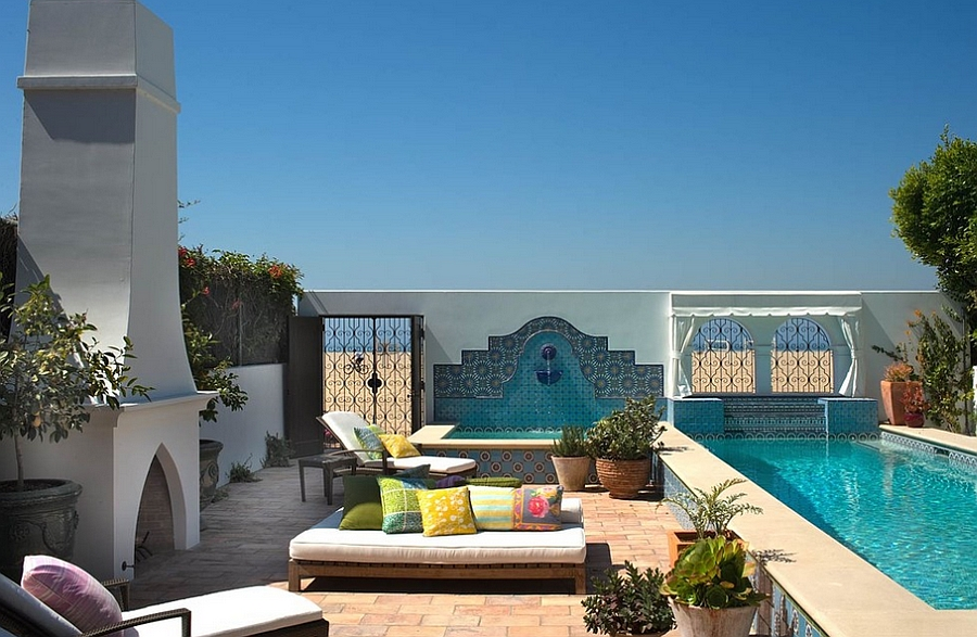 Lovely blues bring in the Mediterranean touch to the fun patio
