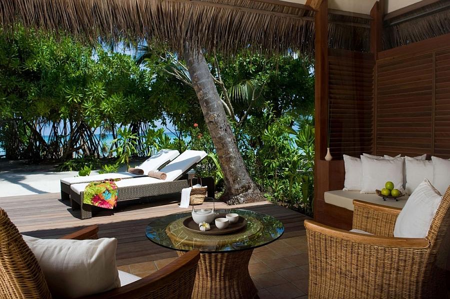 Lovely villas of the Kuramathi Island Resort in Maldives with ocean views