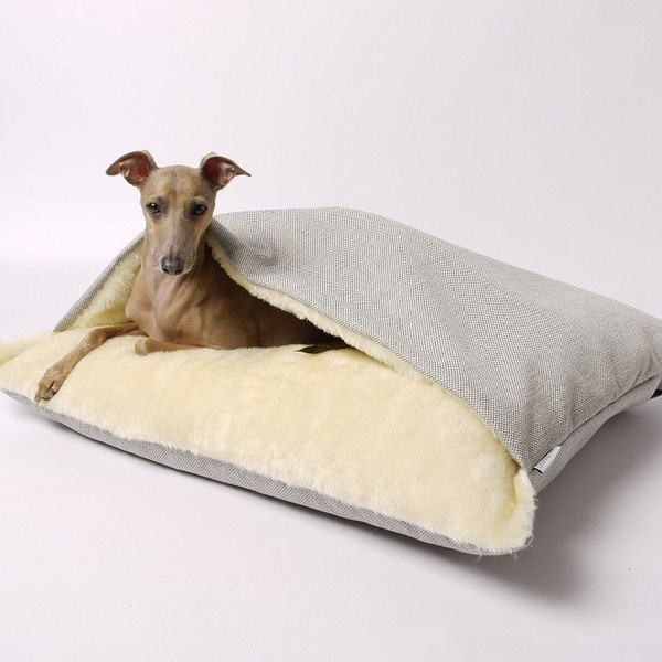 Luxury dog snuggle bed