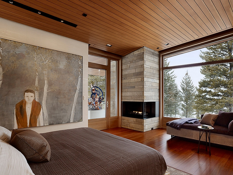 Making complete use of the corner space in the bedroom with a scorching fireplace