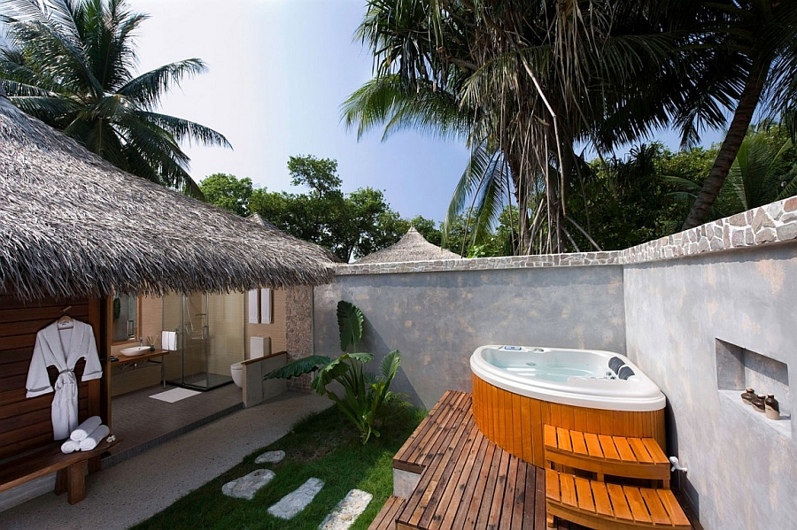 Outdoor hot tub adds to your soothing stay at the Kuramathi