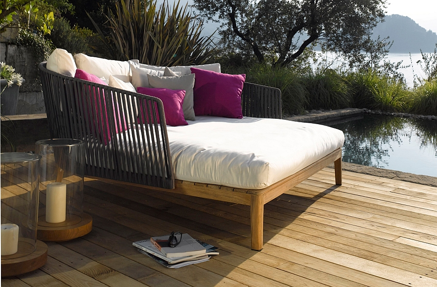 Plush MOOD Daybed for those who love to relax in style