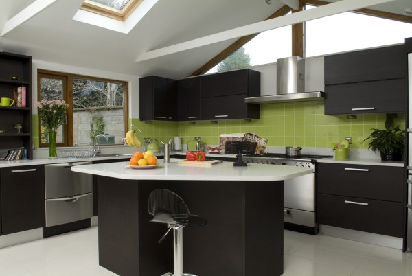 Produce adds bright pops of color in a modern kitchen
