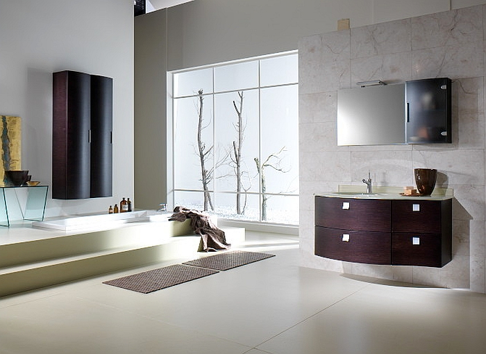 Refined contemporary bath with a minimalist style