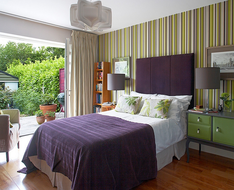 Smart color combination gives the contemporary bedroom in Dublin a refreshing, serene vibe