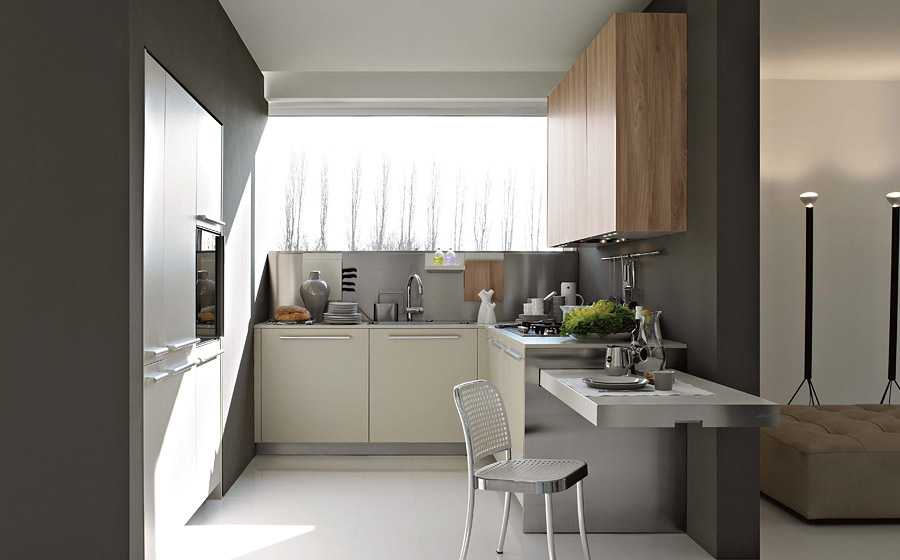 Smart, space-saving kitchen composition with extendable tables and countertops