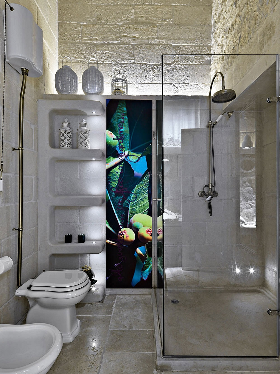 Smart way to add pops of color in the bathroom