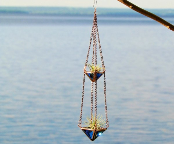 Stained glass hanging air plant holder from Etsy shop SNLCreations
