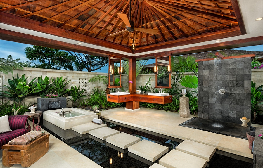 Stunning tropical bathroom in Hawaii that is all about the outdoors!