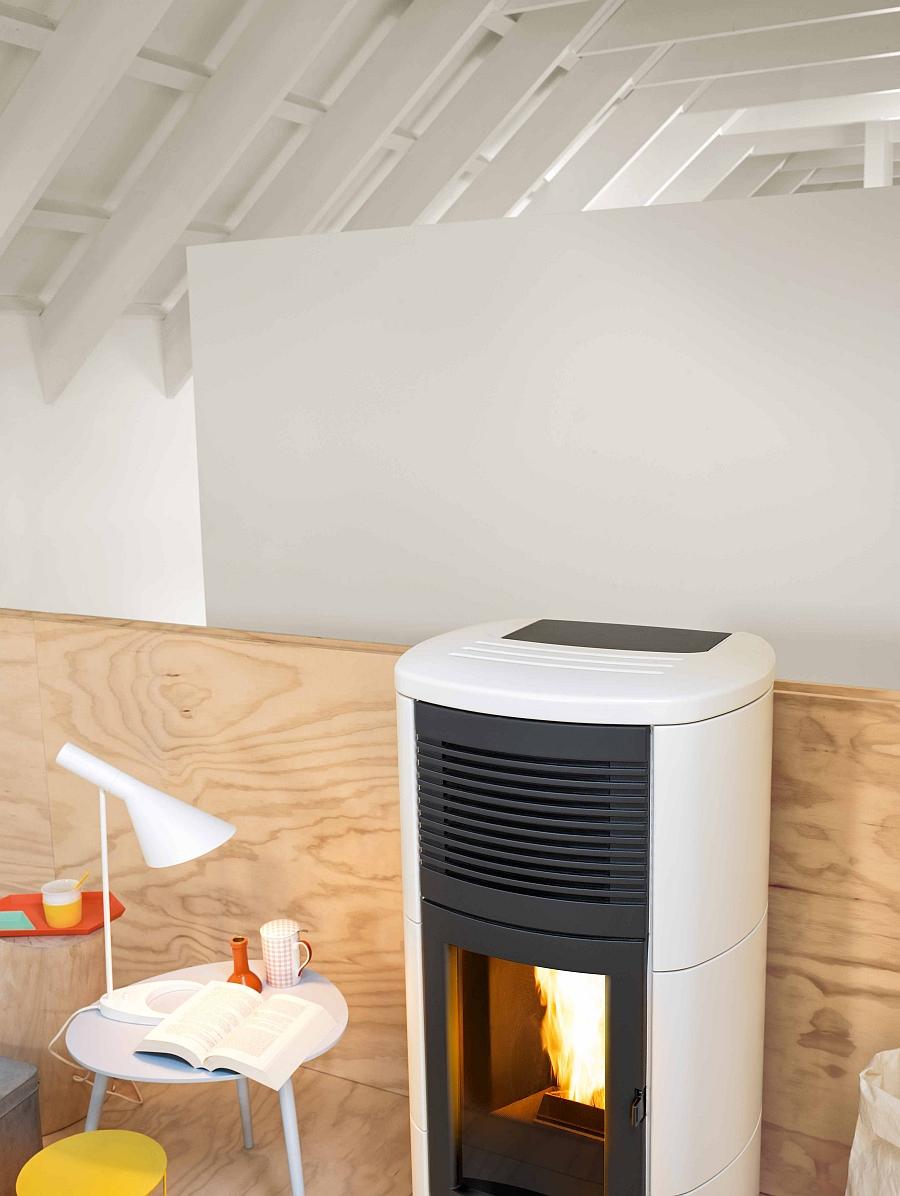 Stylish and elegant CLUB pellet-burning stove from MCZ